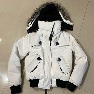 Great bomber jacket 🌺